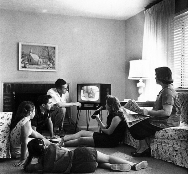 family-watching-television-1958_l