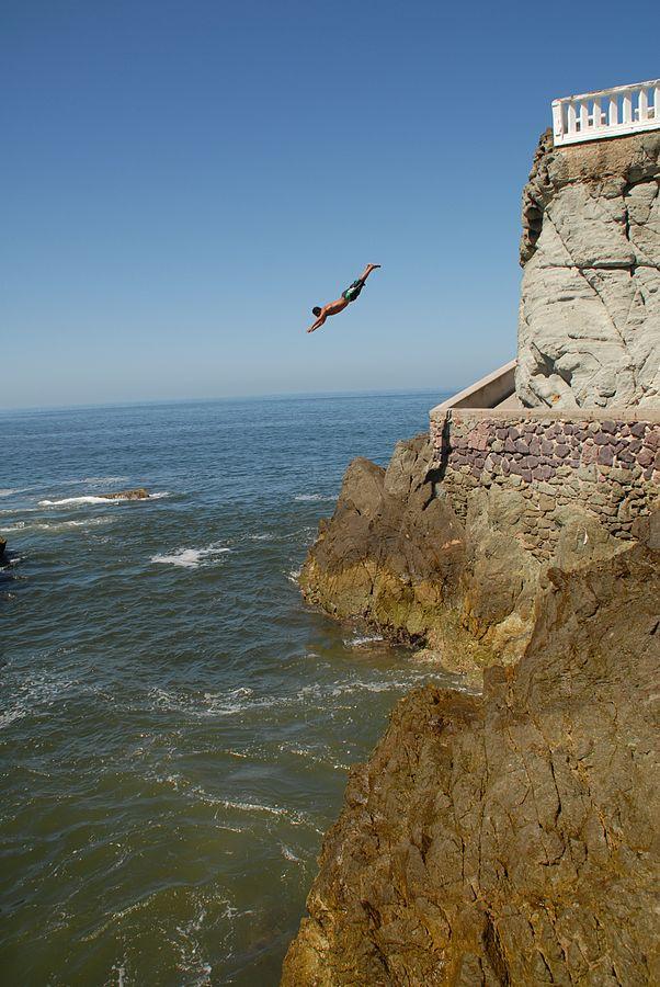 602px-Cliff_diver
