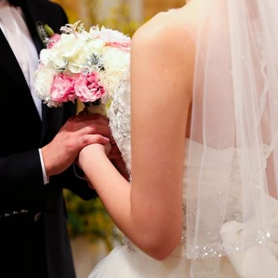 Home Or Away – How To Decide Where To Have Your Wedding