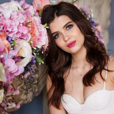 When Should You Let Your Hair Down At Your Wedding?