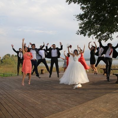 Here's How To Go The Extra Mile For Your Wedding Guests