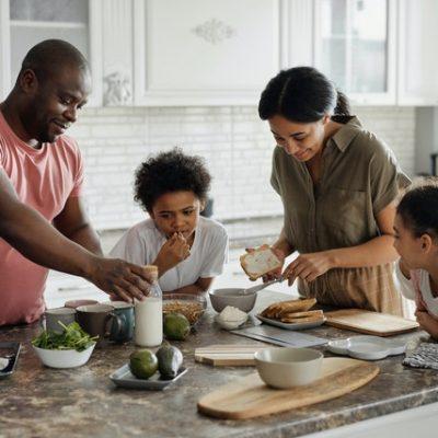 5 Ways To Strengthen Family Bonds